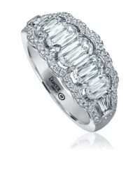 L'Amour Crisscut® diamond band with baguettes