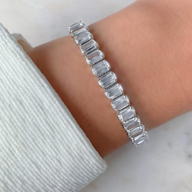 Everlasting elegance…The L'Amour Crisscut Classic is a diamond designed to be bigger, brighter, and all around better. #choosecrisscut #christopherdesigns #madeinnewyork